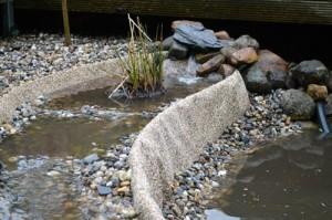 Teich-naturnah-Bachquelle