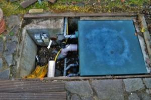 Filterschacht-vor-Teichsanierung